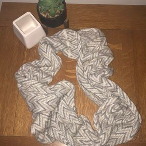 Accessories - Herring bone infinity scarf